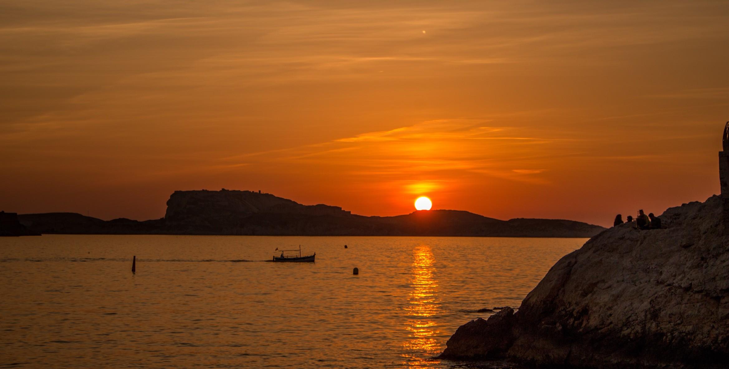 mer-soleil-couchant-marseille